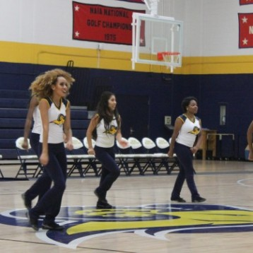 "Texas Wesleyan performs ""Can't Stop That Feeling"" by Justin Timberlake at Midnight Madness. Photo by Hannah Onder"