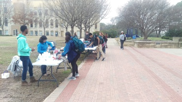 Students participate in the TAG Day event at the mall during free period on March 1. Photo by Hannah Onder